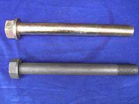 Болт крепления кронштейна задней рессоры М27x2x250 DONG FENG белая кабина 2401ZHS01-039