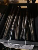 Болт центровой задней рессоры M18, L=370mm DONG FENG Евро-4 2913106-К2000