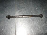 Болт центровой передней рессоры DONG FENG тягач 2912ZB6-106