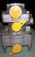 Клапан воздушный тормозной системы прицепа на тягач HOWO WG9000360180 (100-3522010, 16.3522010)