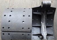 Колодка тормозная задняя с роликом FAW J6 3502375-AOE (30 отверстий)
